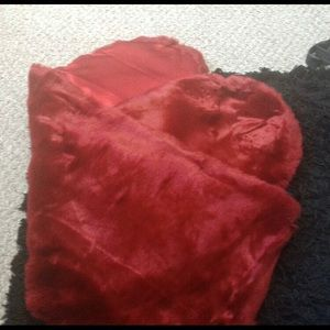 Accessories - Faux fur red shawl, NWOT